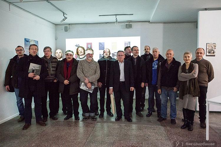 Калектыўная фатаграфія аўтараў і герояў альбома / фота В.Шчарбакова