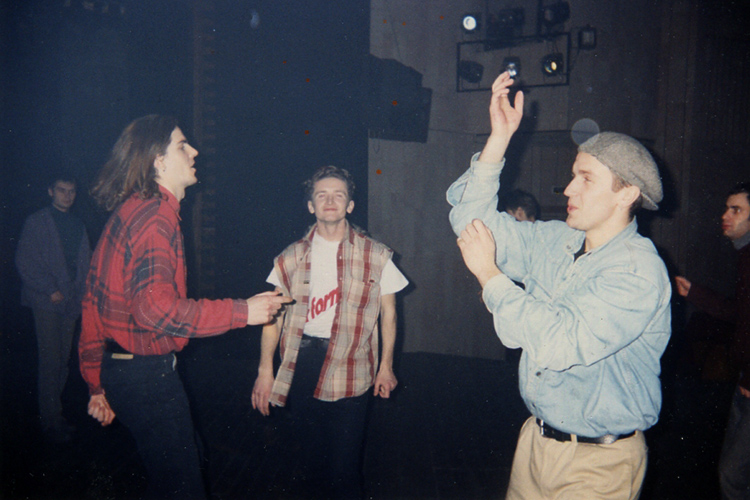 DJ I.F.U. (Аляксей Кутузаў), DJ Митя и DJ Палёный. Альтэрнатыўны тэатр 1993. З архіву А. Кутузава