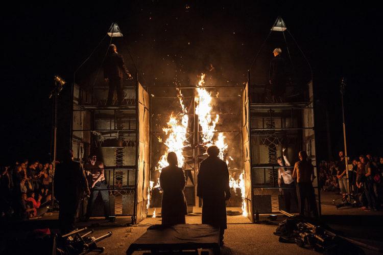 """Виступ Театру """"Biuro Podrozy"""" (Польша) з виставою Carmen Funebre"""